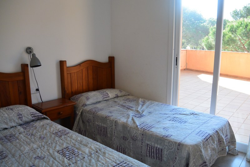 01360 - Own an apartment with not one, but two terraces in Puig Sa Guilla, Pals beach