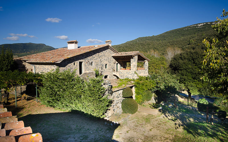 03085 - Impressive rustic mansion with a large terrain close to Gerona