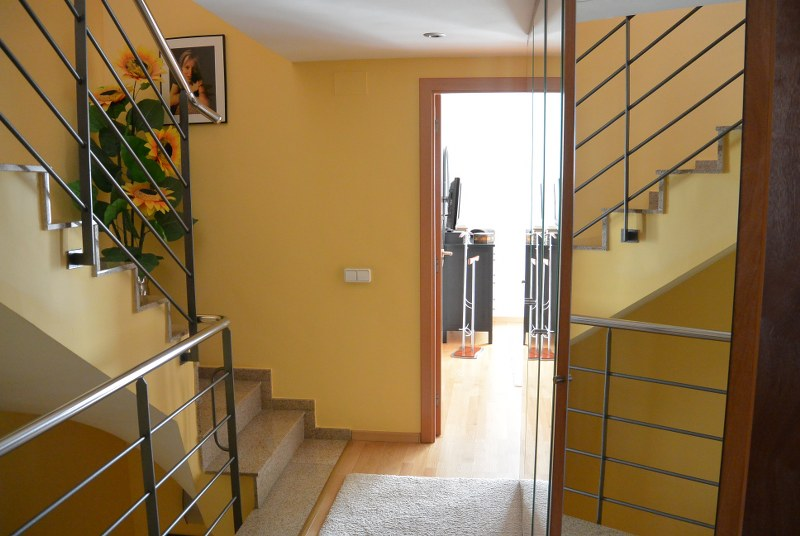 02484  -  Enjoy the attic terrace from this detached house in Begur