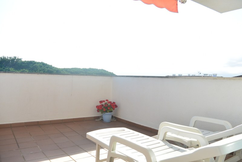 01369 - Find your perfect corner of the Costa Brava in this penthouse in the community Green Mar I, Pals beach