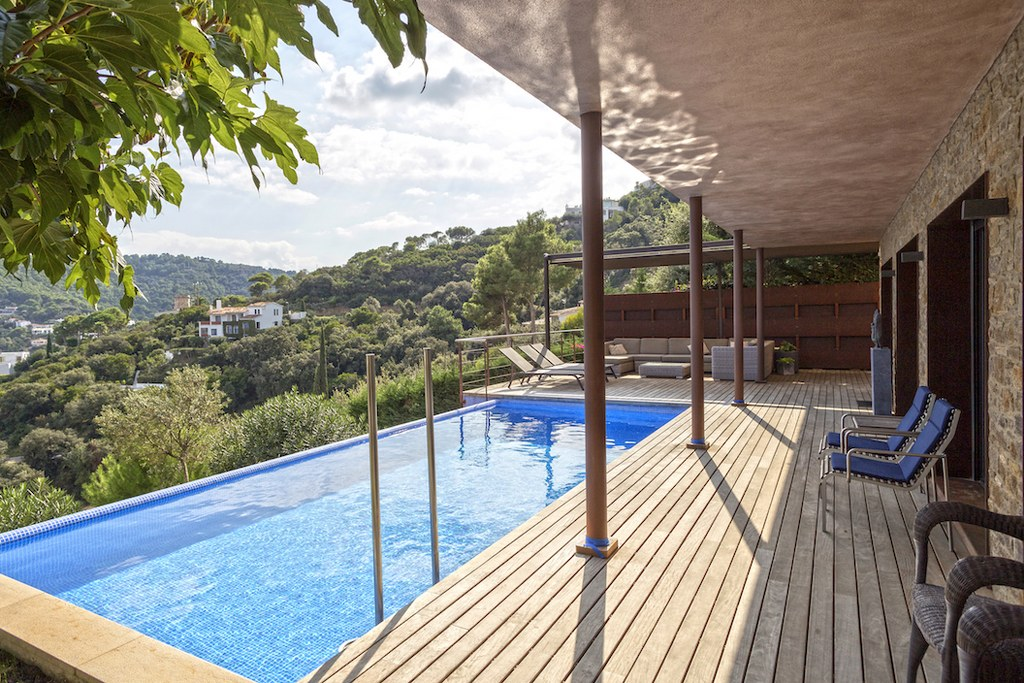 02772 - Spectacular modern Villa with private pool and sea views in Sa Riera, Begur