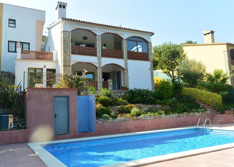 02720 - Beautiful house with private pool in Sa Riera, Begur