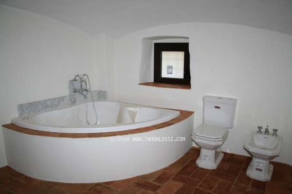 03043 - Live in a completely renovated, authentic Catalan masía from the XVll Century in Vall Llobrega