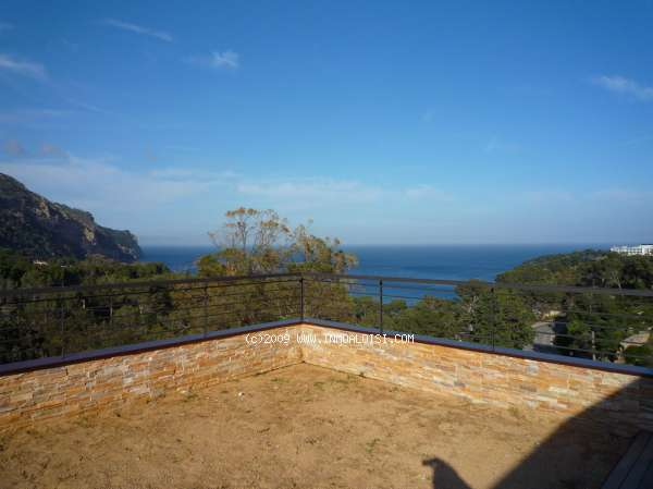 01236  - See this stylish Costa Brava home in Aiguablava, Begur today
